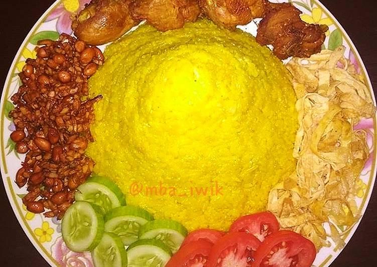 Resep: Nasi kuning ricecooker ala resto