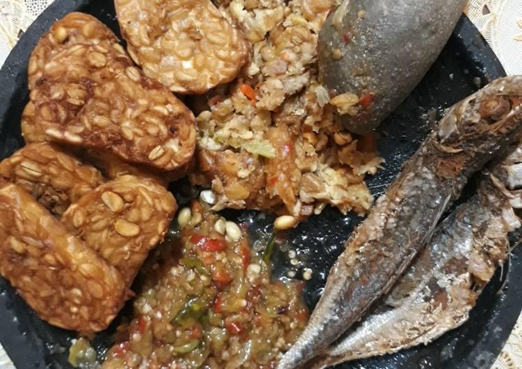 Resep: Ikan asin peda sambel bawang ala resto