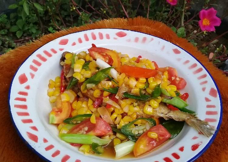 Resep: Tumis ikan peda asin jagung ala resto