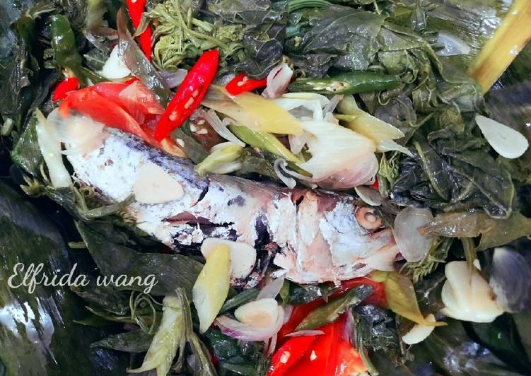 Resep: Pepes ikan asin peda daun labu