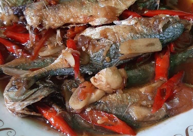 Cara Mudah memasak Tumis Ikan Asin Peda yang menggugah selera
