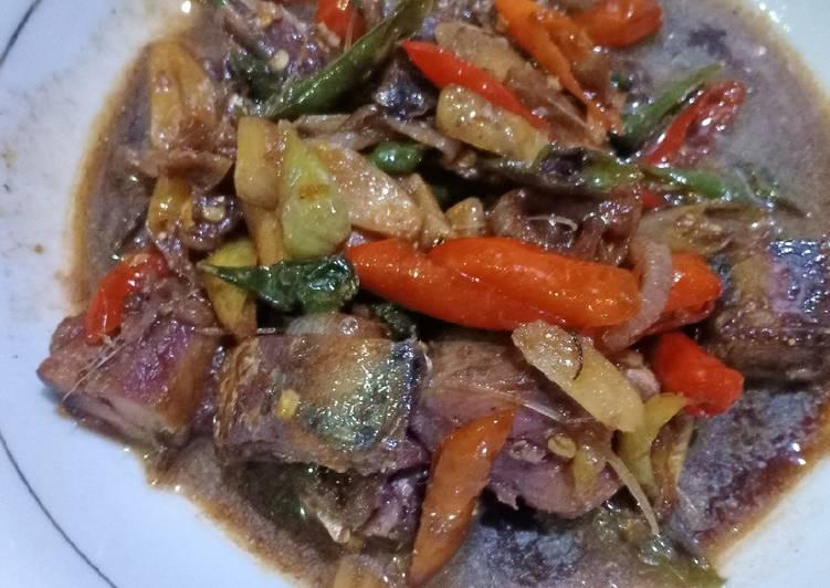 Resep: Ikan asin peda tumis asam yang bikin ketagihan