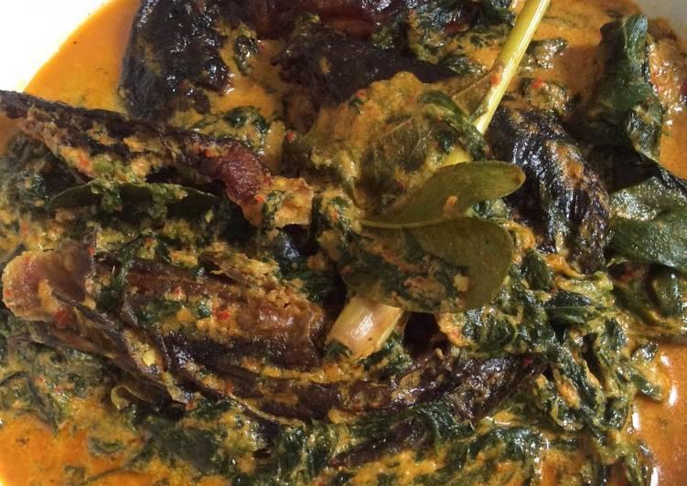Resep: Gulai Ikan Salai 🐟Pucuk Ubi☘️ yang menggugah selera