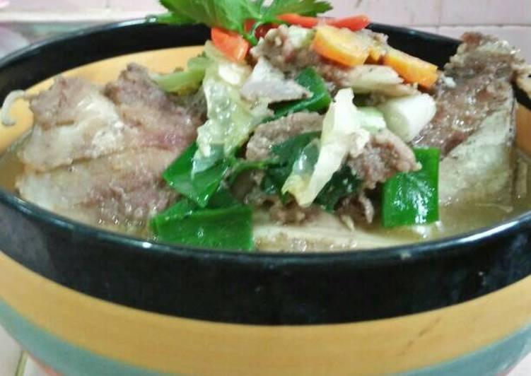 Resep memasak Sop sumsum kaki sapi yang bikin ketagihan