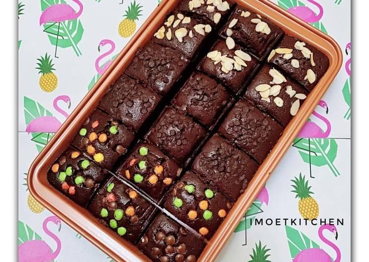 Resep: Brownies aneka topping yang menggugah selera