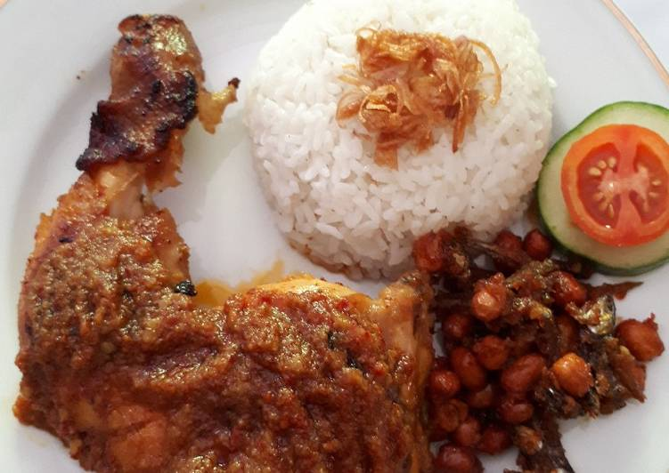 Resep: Ayam percik, nasi lemak dan balado teri kacang ala resto