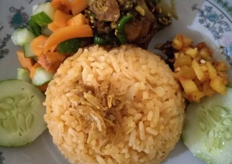 Nasi minyak asli palembang