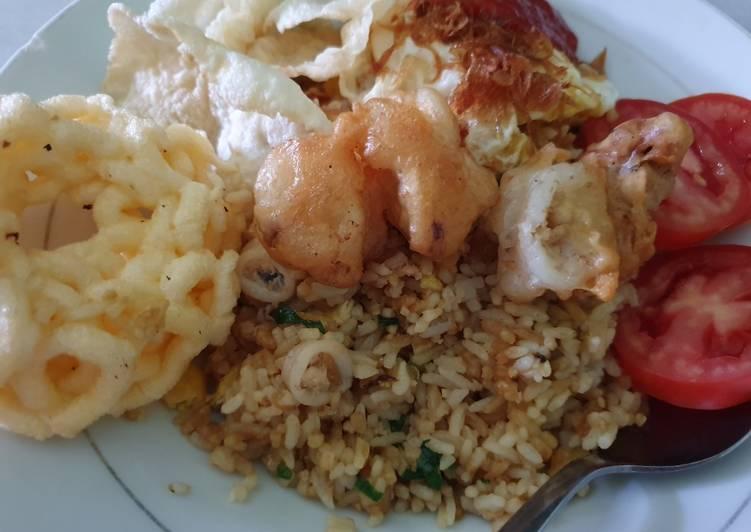 Resep: Nasi goreng seafood dengan minyak samin enak