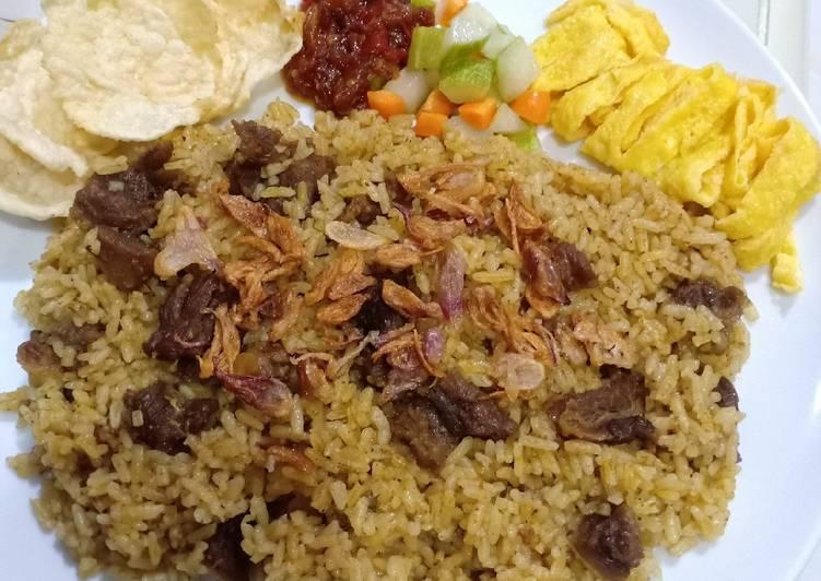 Cara membuat Nasi kebuli daging sapi yang bikin ketagihan