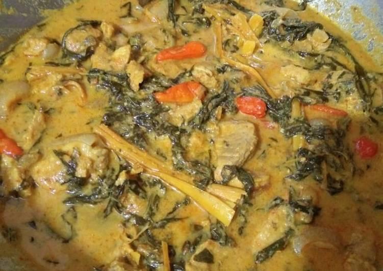 Cara Mudah mengolah Daging Arsik Rice Cooker ala Vio yang menggugah selera