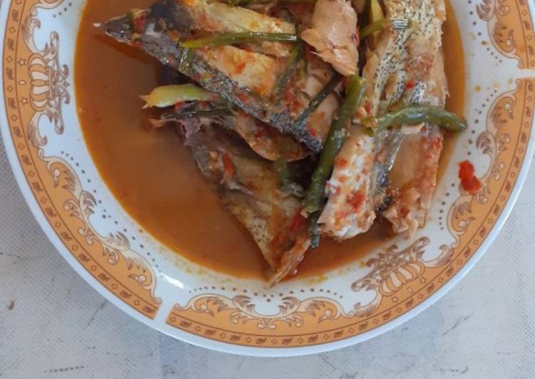 Resep membuat Arsik pedas ikan bawal enak