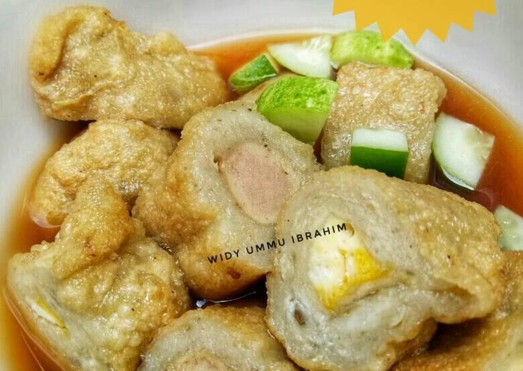 Cara Mudah memasak Pempek ikan mas(isi sosis dan telur)