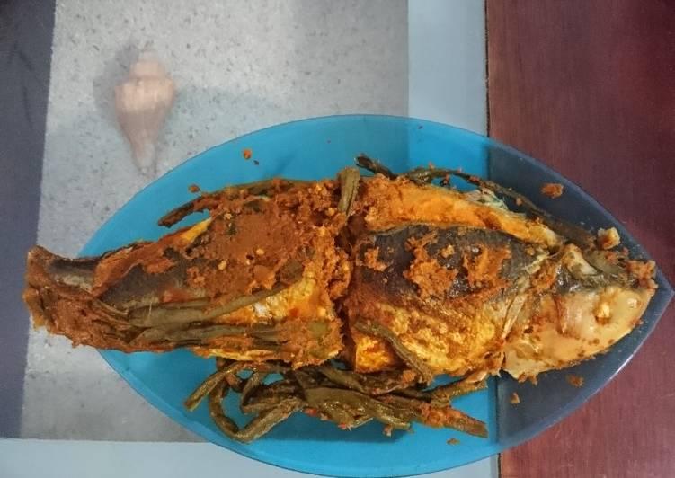 Cara Mudah memasak 22.Ikan bandeng arsik yang menggoyang lidah