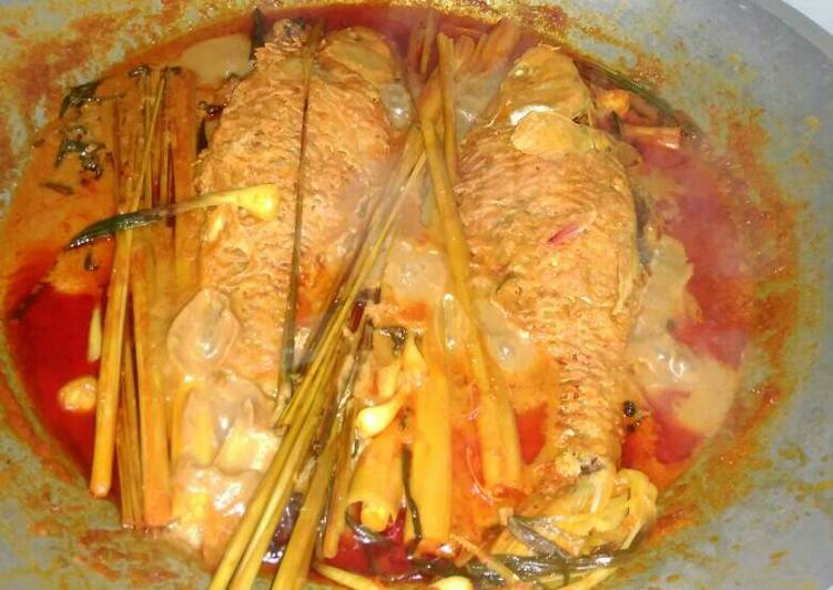 Resep mengolah Arsik ikan mas enak