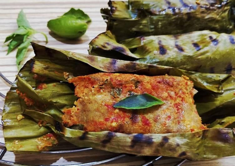 Pepes Caviar (Telor Ikan)