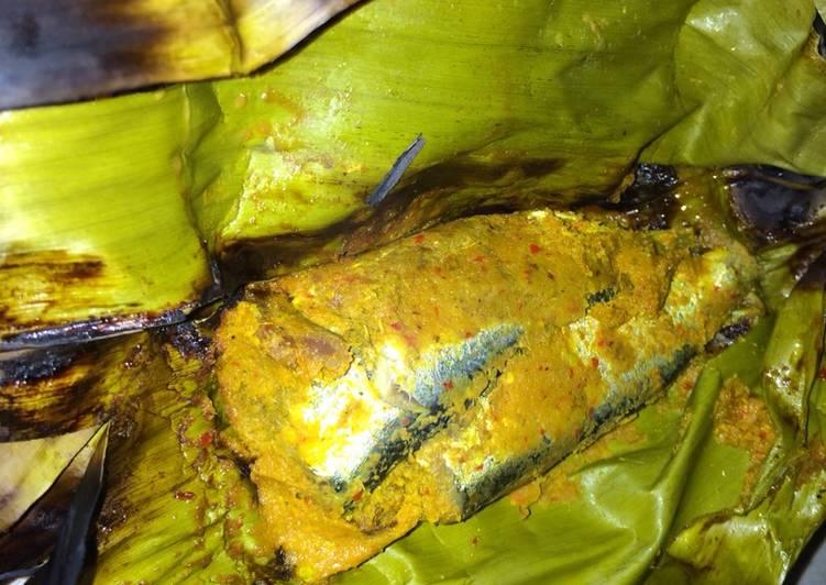 Pepes Ikan Tamban (makarel) khas Bangka