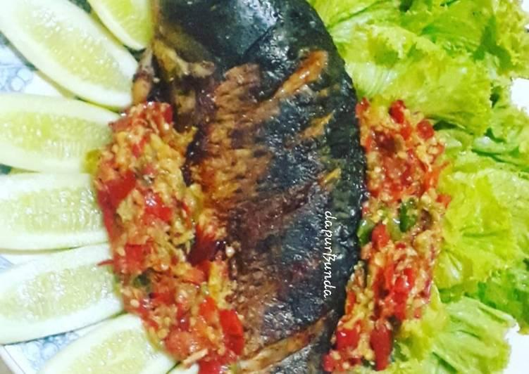 Resep: Ikan mas panggang #2 dgn sambel bawang ala resto
