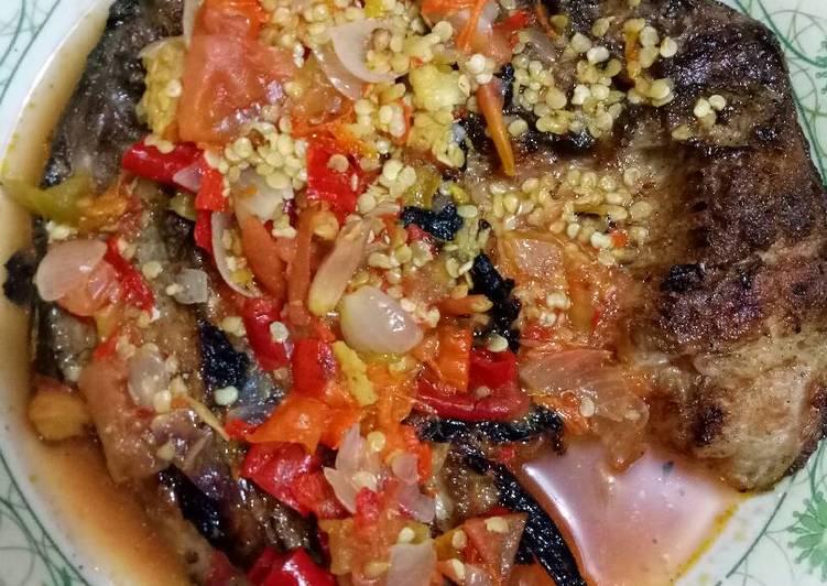 Cara Mudah membuat Pecak ikan panggang sedap