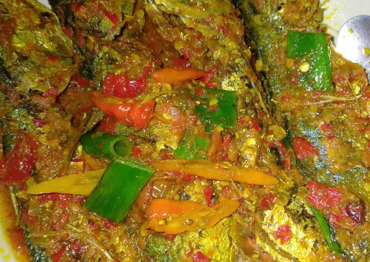 Resep: Ikan kembung Banjar bumbu kuning istimewa