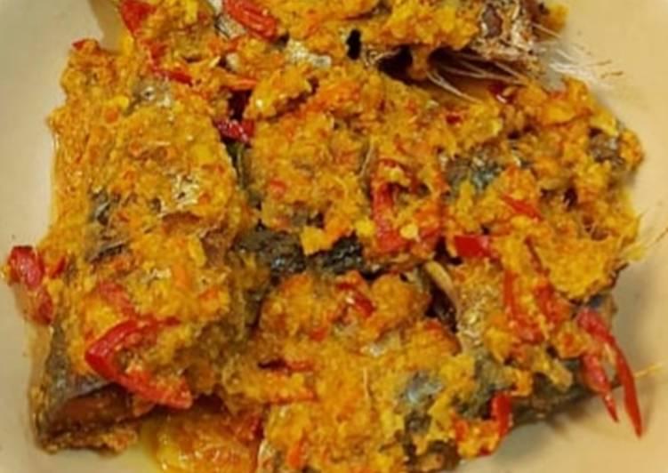 Resep memasak Pesmol ikan kembung pedas ala resto