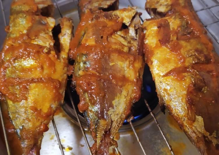 Resep membuat Ikan Bakar Kembung Bumbu Padang ala resto