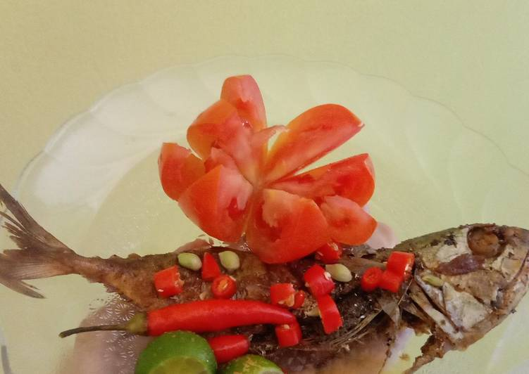 Resep membuat Ikan gembung asin..maknyuss sedap