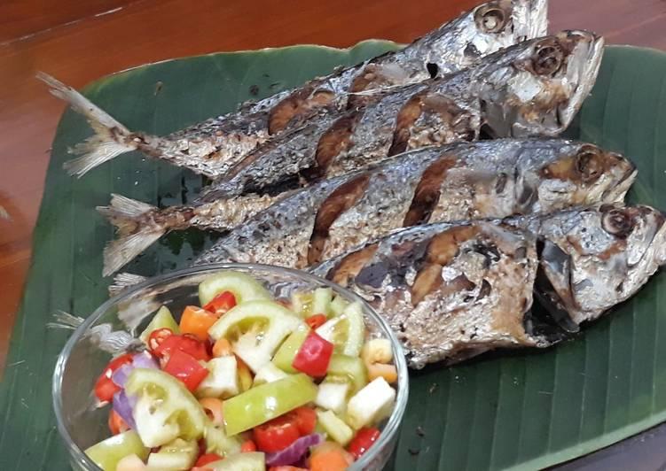 Cara Mudah mengolah Ikan Kembung Goreng yang menggugah selera