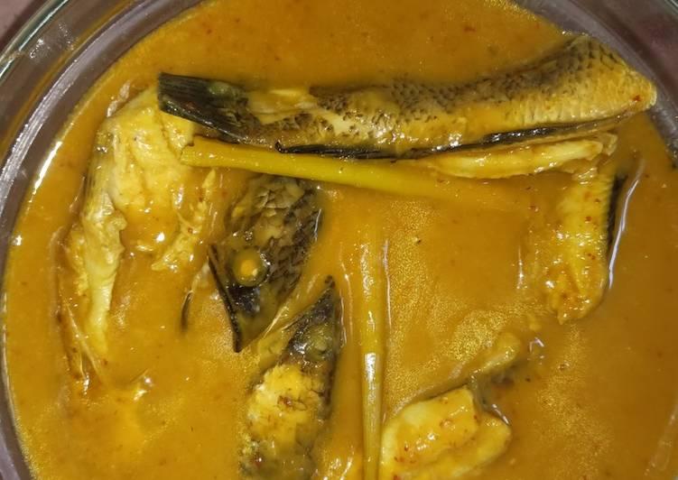Gulai tempoyak ikan gabus