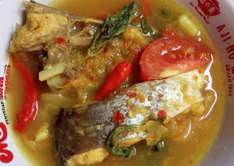 9. Pindang Tempoyak Ikan Patin