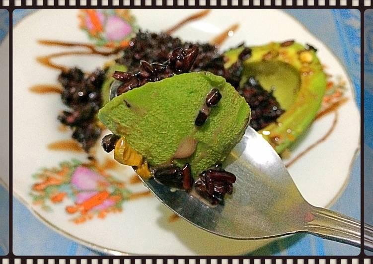 Cara membuat Mixed alpukat tape ketan pistachios with kental manis lezat