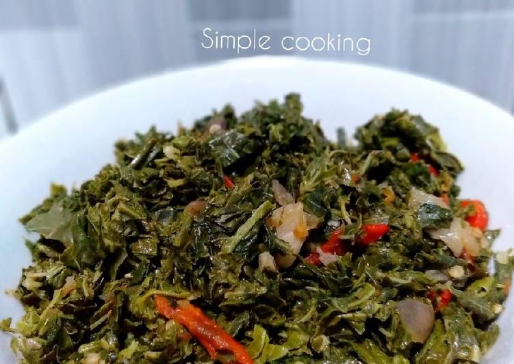 Cara Mudah memasak Tumis pedas daun singkong