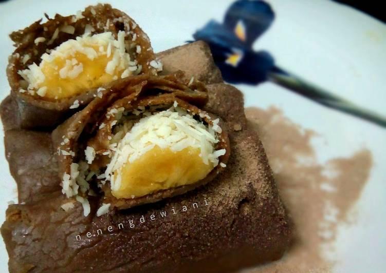 Cara Mudah mengolah Dadar gulung coklat pisang keju yang menggugah selera