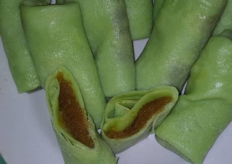 Resep: Dadar gulung isi Klapa gula aren lezat
