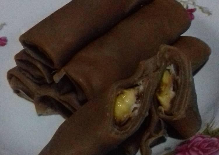 Resep mengolah Dadar gulung coklat isi pisang ala resto