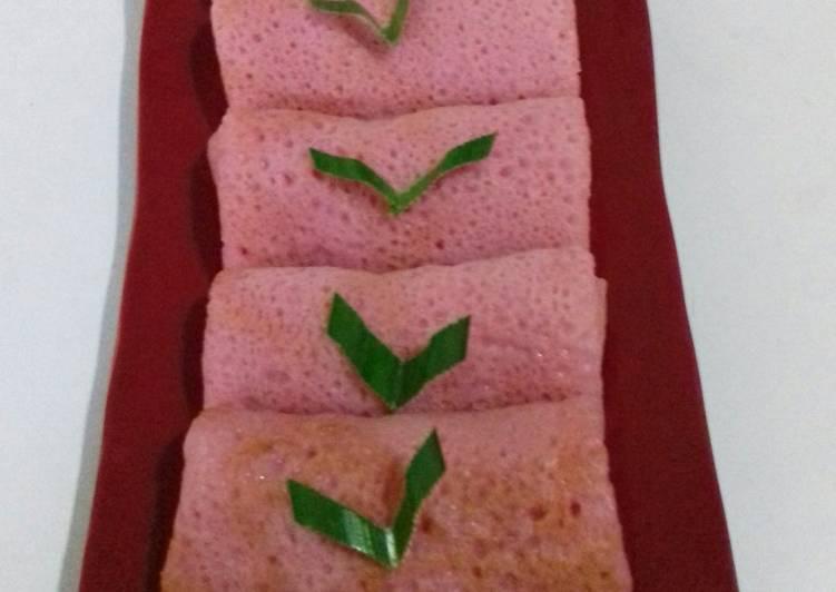 Cara memasak Dadar Gulung Buah Naga Unti Kelapa Jagung yang bikin ketagihan