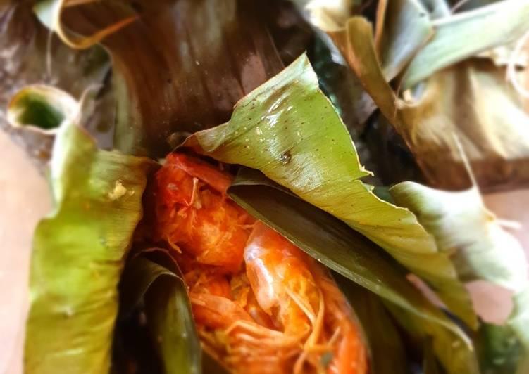 Pepes udang bumbu Bali