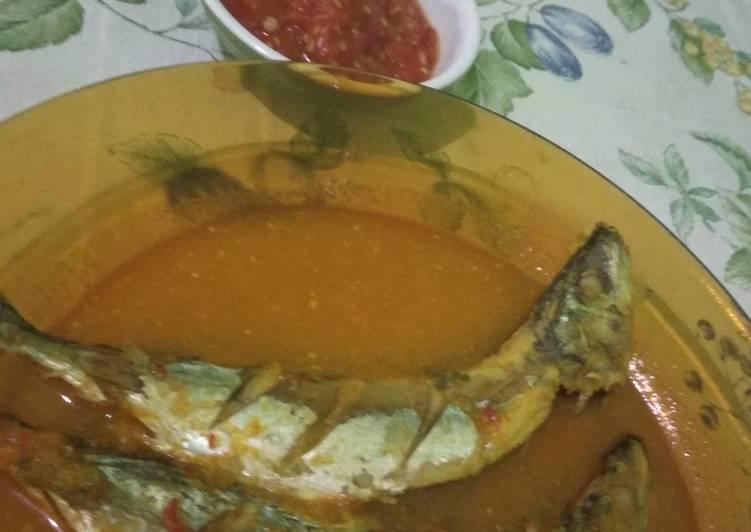 Resep mengolah Ikan asam padeh + sambal terasi mantaps yang menggugah selera