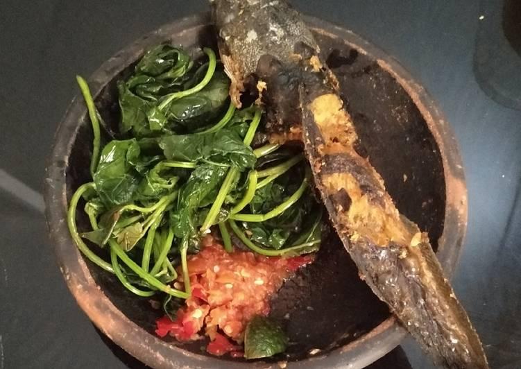 Cara Mudah membuat Ikan Lele Sambal Mentah with Vegetables ala resto