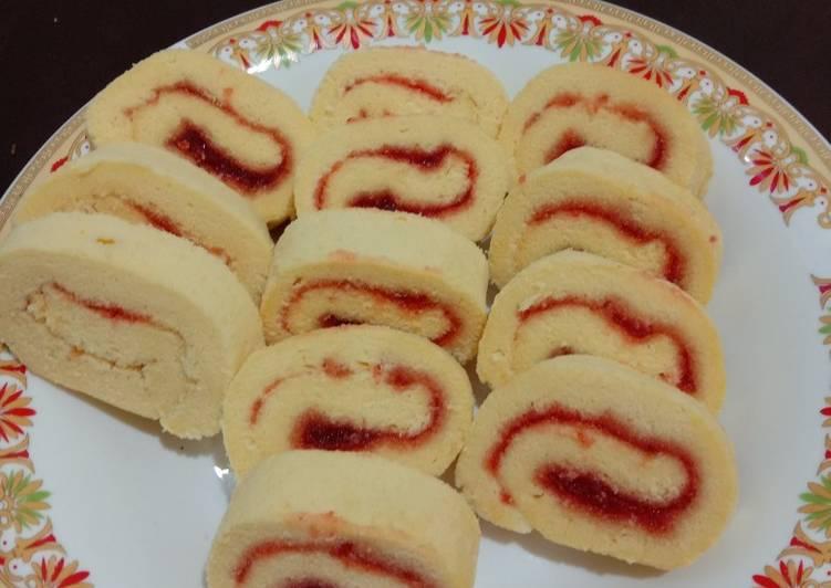 Cara Mudah mengolah LuGu strawberry (Bolu gulung) sedap