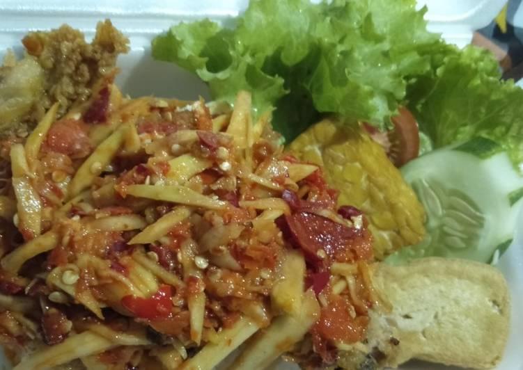 Resep: Ayam geprek sambal mangga muda