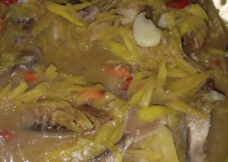 Cara Mudah memasak Sambal mangga ikan peda ala resto