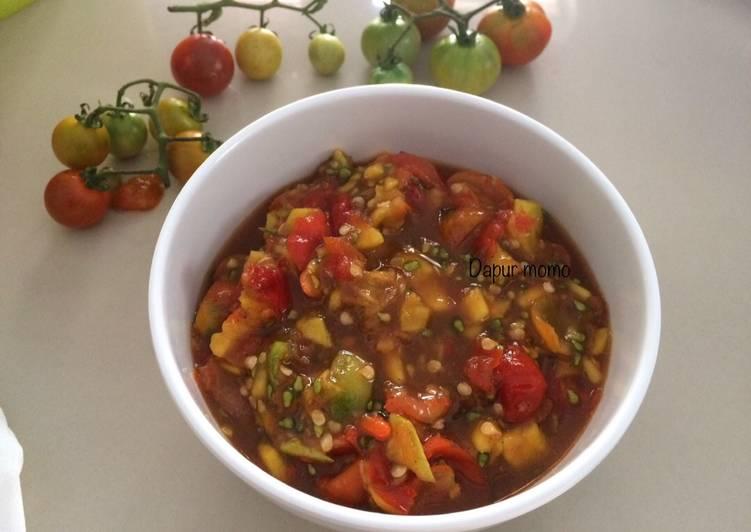 Cara Mudah memasak Sambal mangga (kweni)dan tomat kecil ala resto