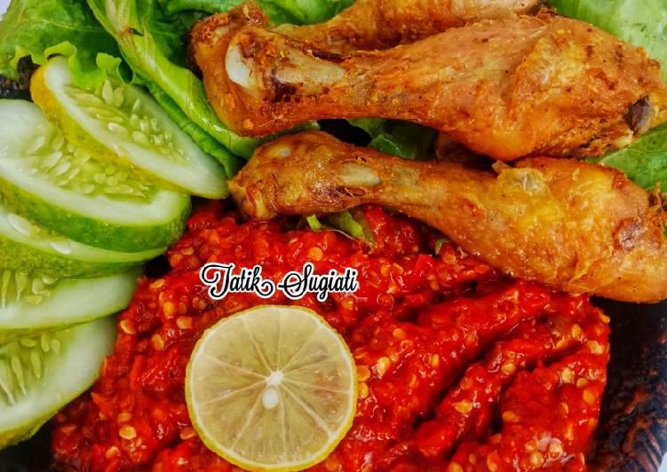 Ayam Goreng Ungkep Sambal Terasi