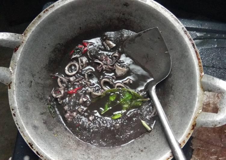 Cara mengolah Sotong masak itam enak