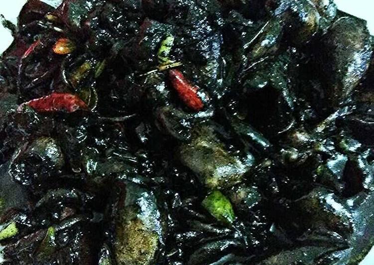 Cara mengolah Sotong masak hitam yang menggugah selera