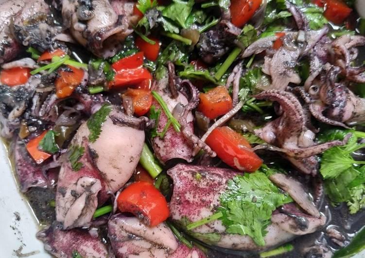 Resep memasak Cumi hitam daun ketumbar ala resto