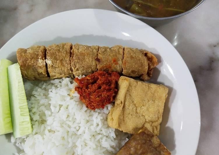 Nasi Pecel Lele Vegan (Lehu - Lele Tahu)