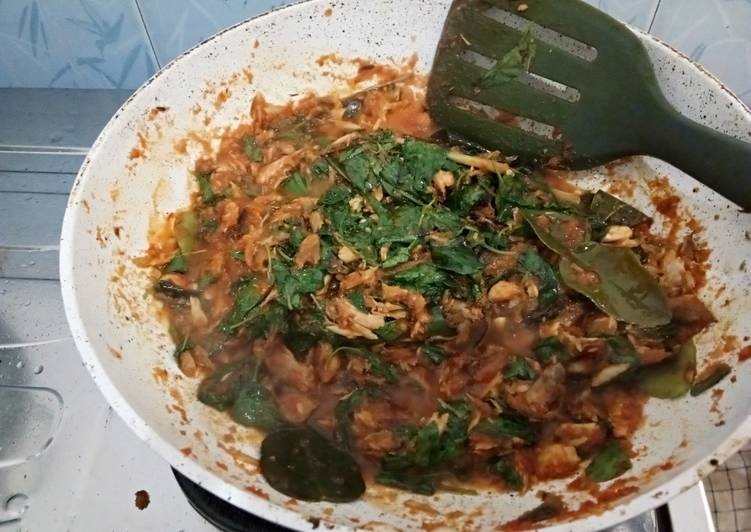 Resep: Tongkol Suwir Isian Nasi Bakar yang bikin ketagihan