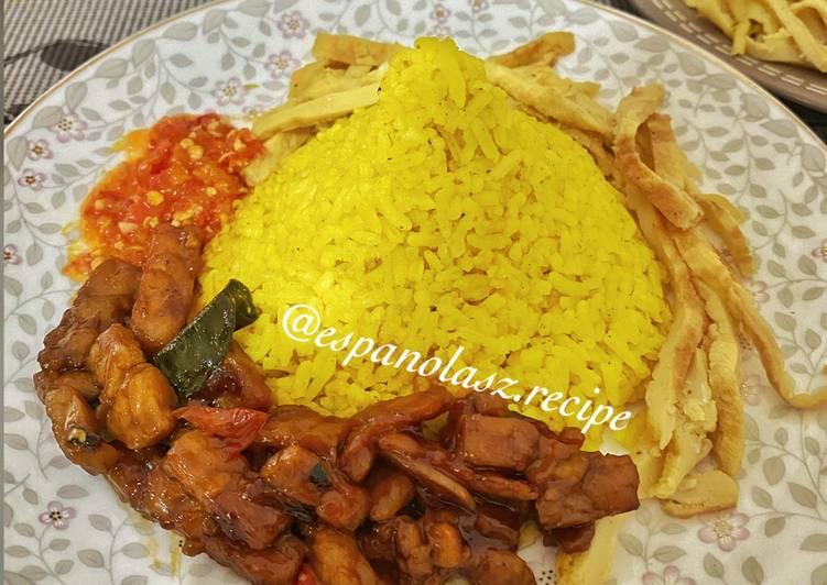 Resep: Nasi kuning juara GURIH & WANGI 👌