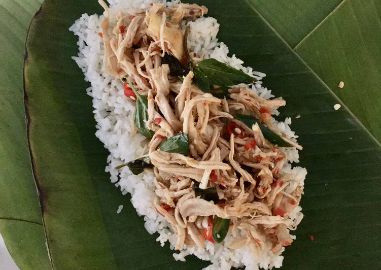 Nasi Bakar Ayam Suwir Pedas Kemangi